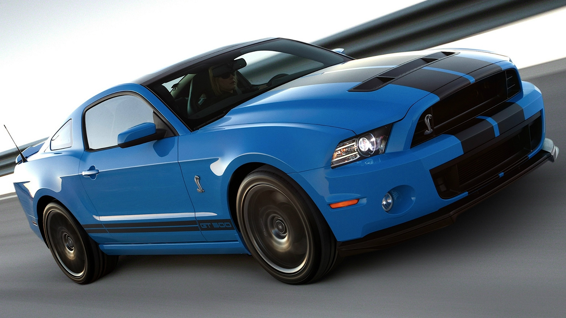 2013 Ford Mustang photo - 1