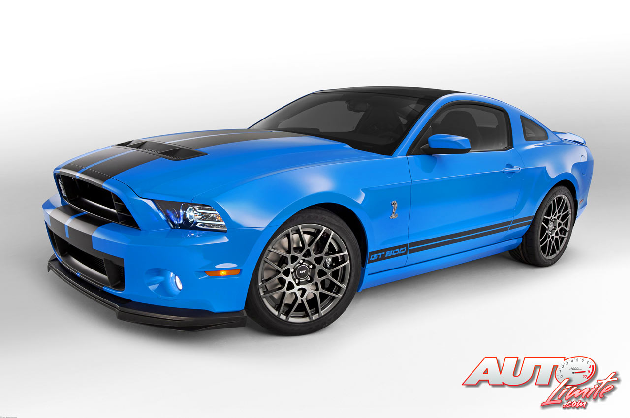 2013 Ford Mustang Shelby GT500 Cobra photo - 3