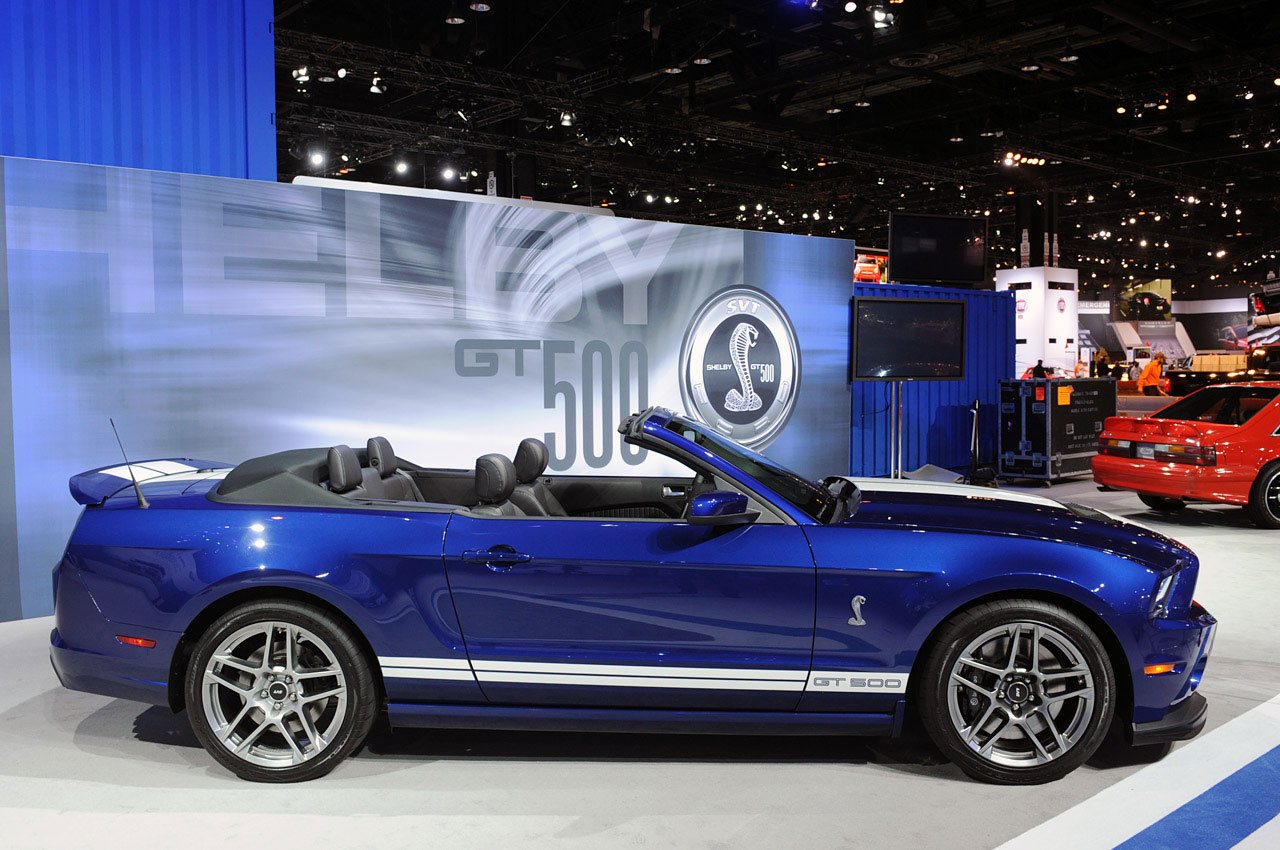 2013 Ford Mustang Shelby GT500 Convertible photo - 1
