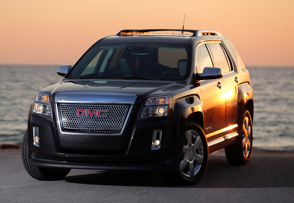 2013 GMC Terrain Denali photo - 1