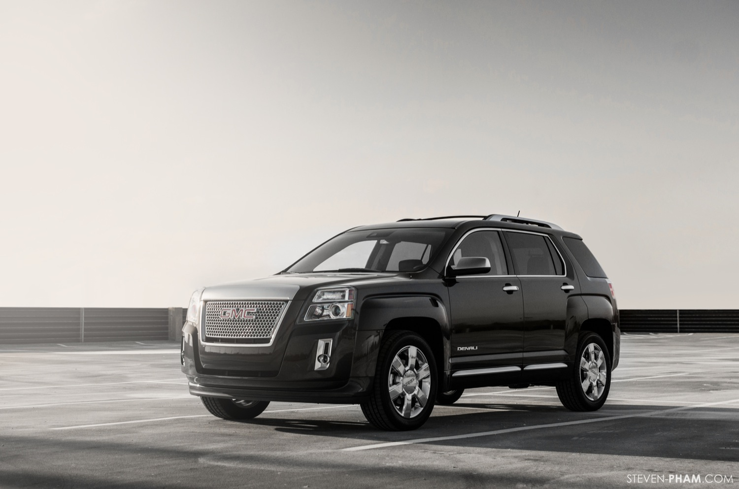 2013 GMC Terrain Denali photo - 2