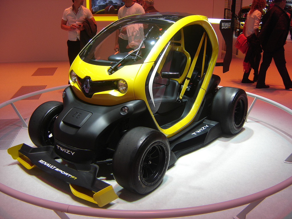 2013 Renault Twizy RS F1 Concept photo - 3