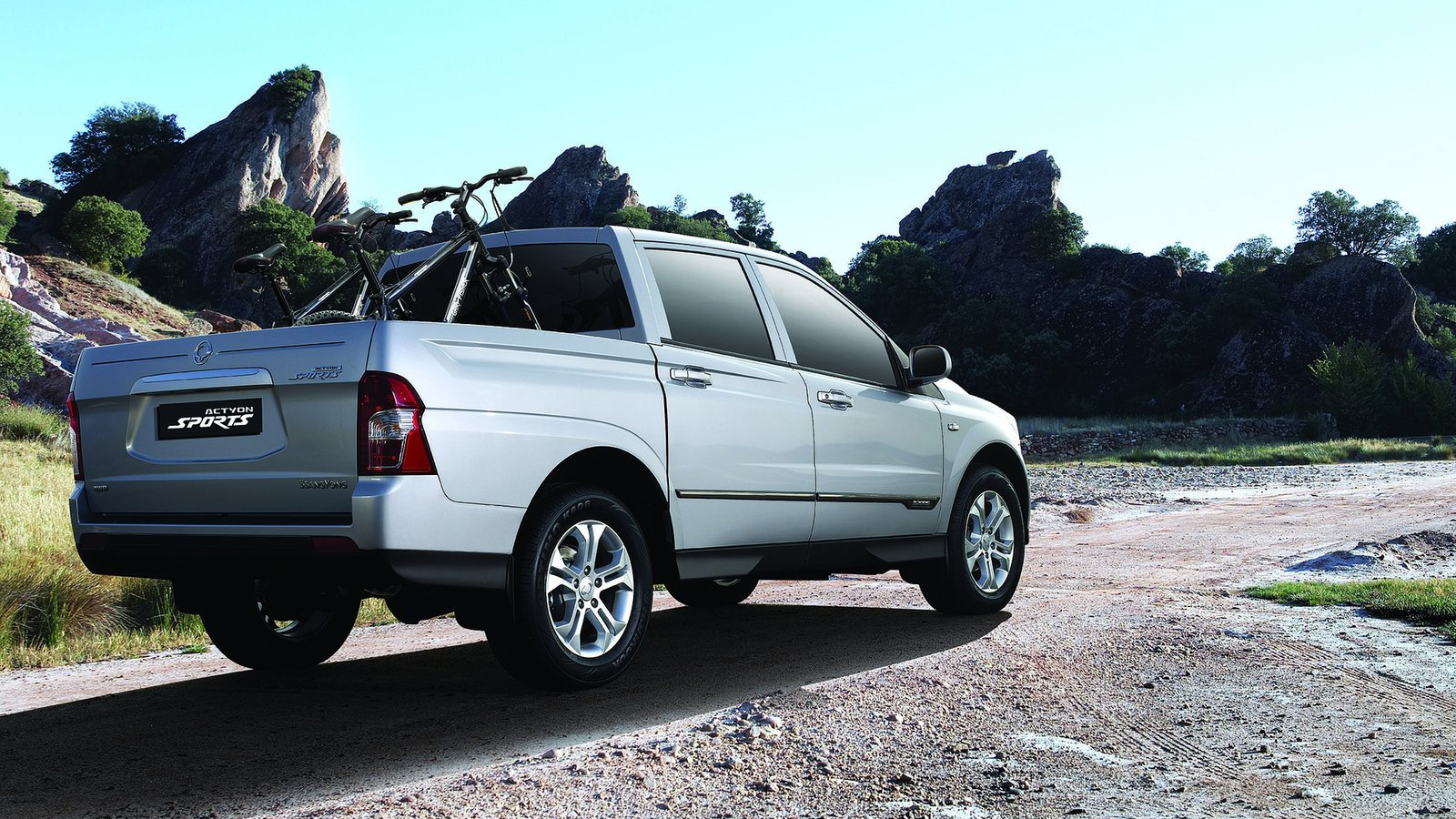 2013 SsangYong Actyon Sports photo - 1