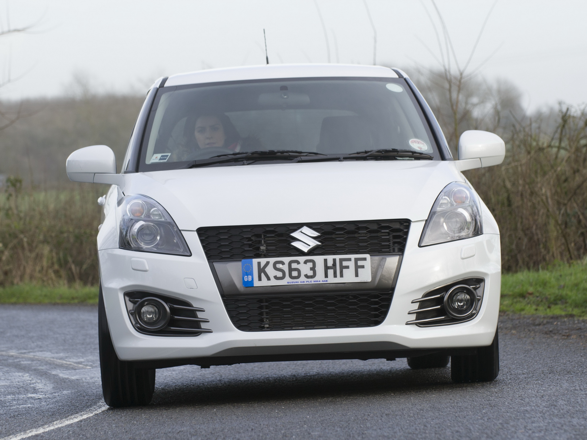 2013 Suzuki Swift Sport 5 door photo - 2