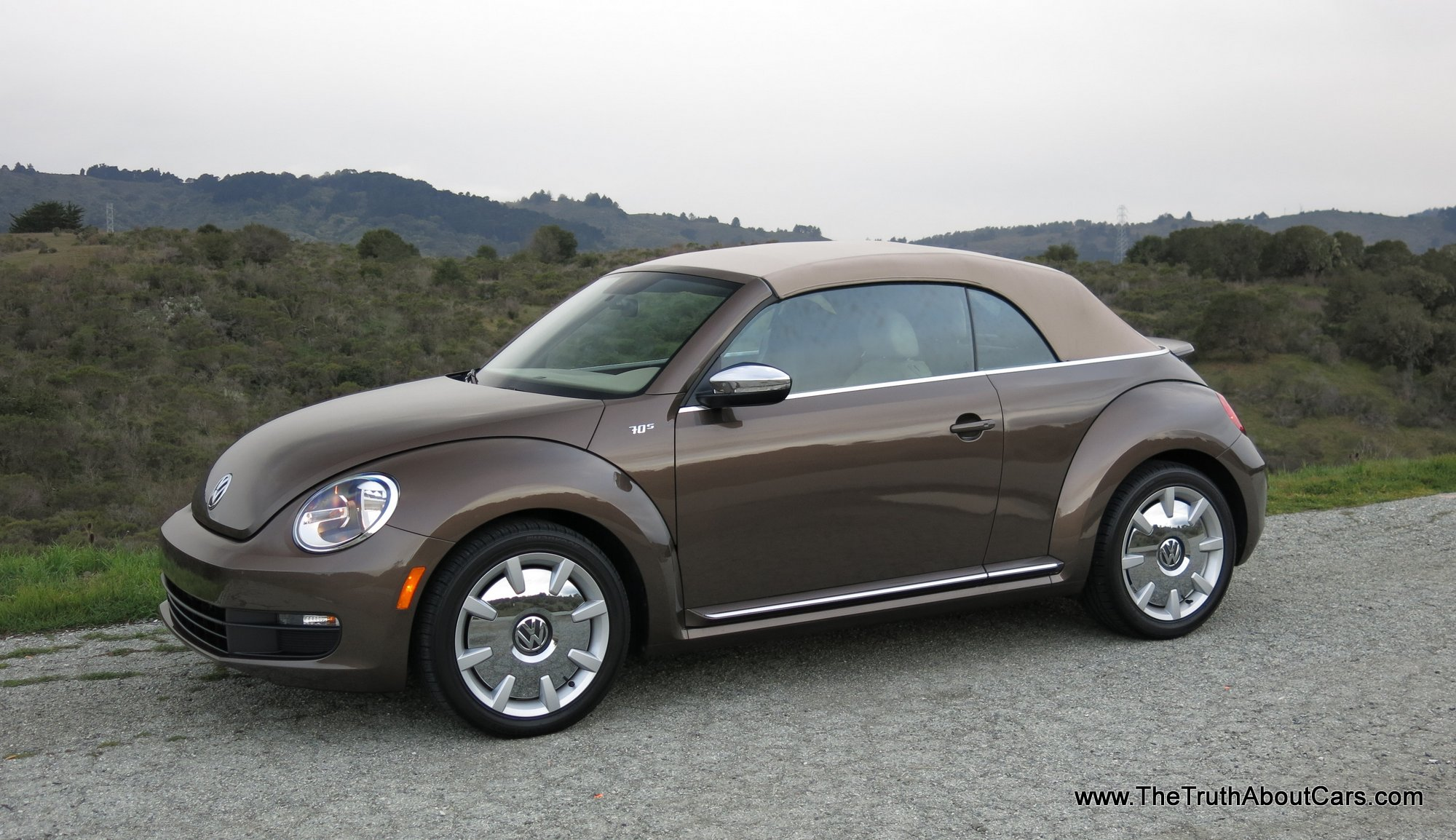 2013 Volkswagen Beetle Convertible photo - 3