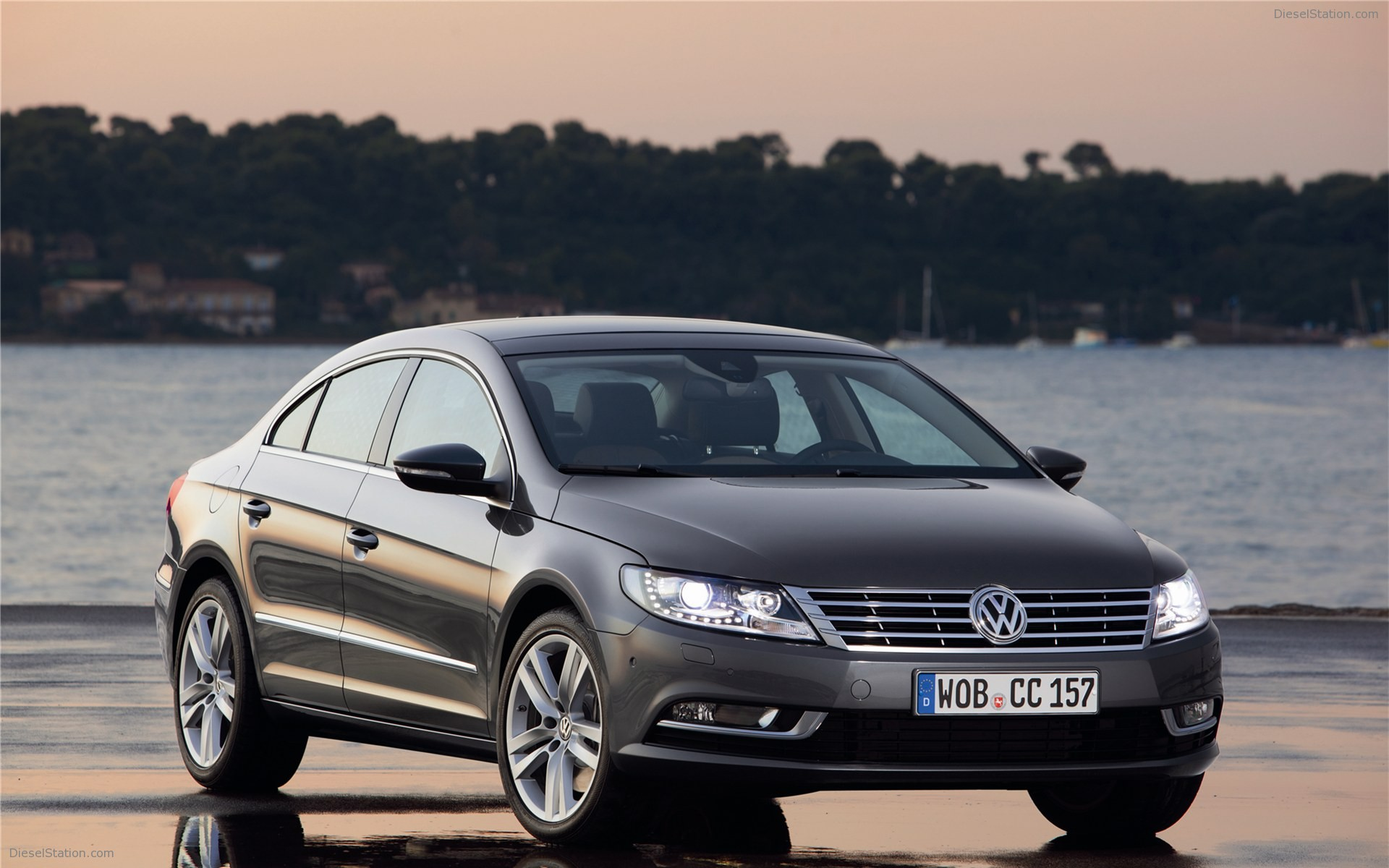2013 Volkswagen CC photo - 1