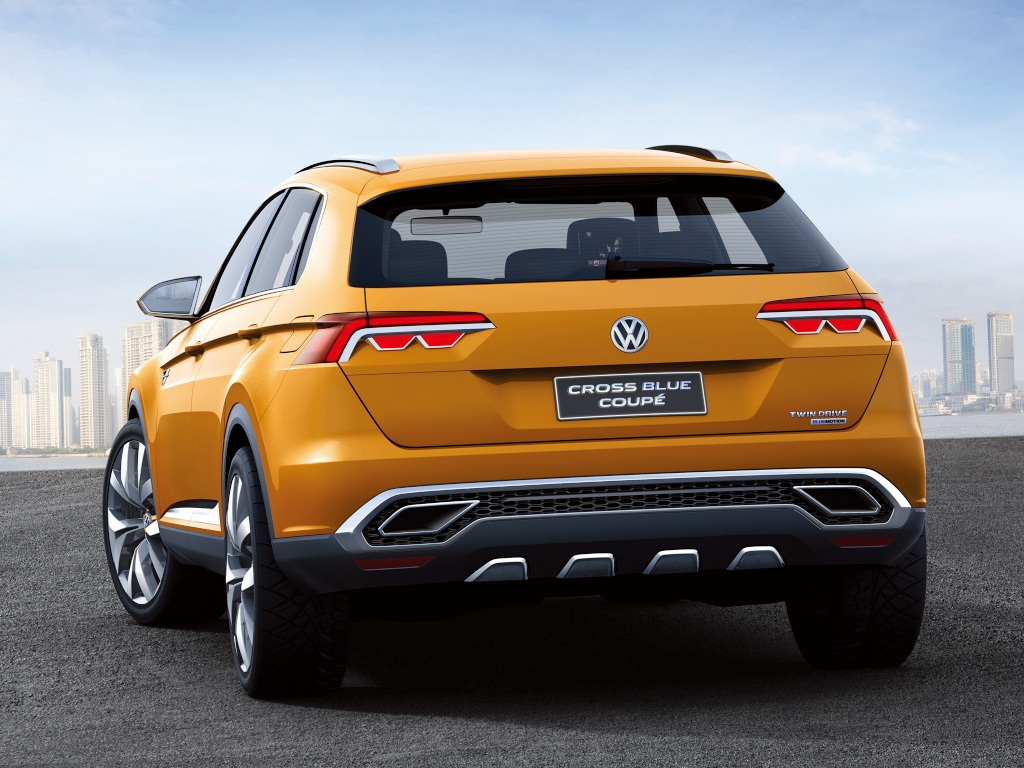 2013 Volkswagen CrossBlue Coupe Concept photo - 2
