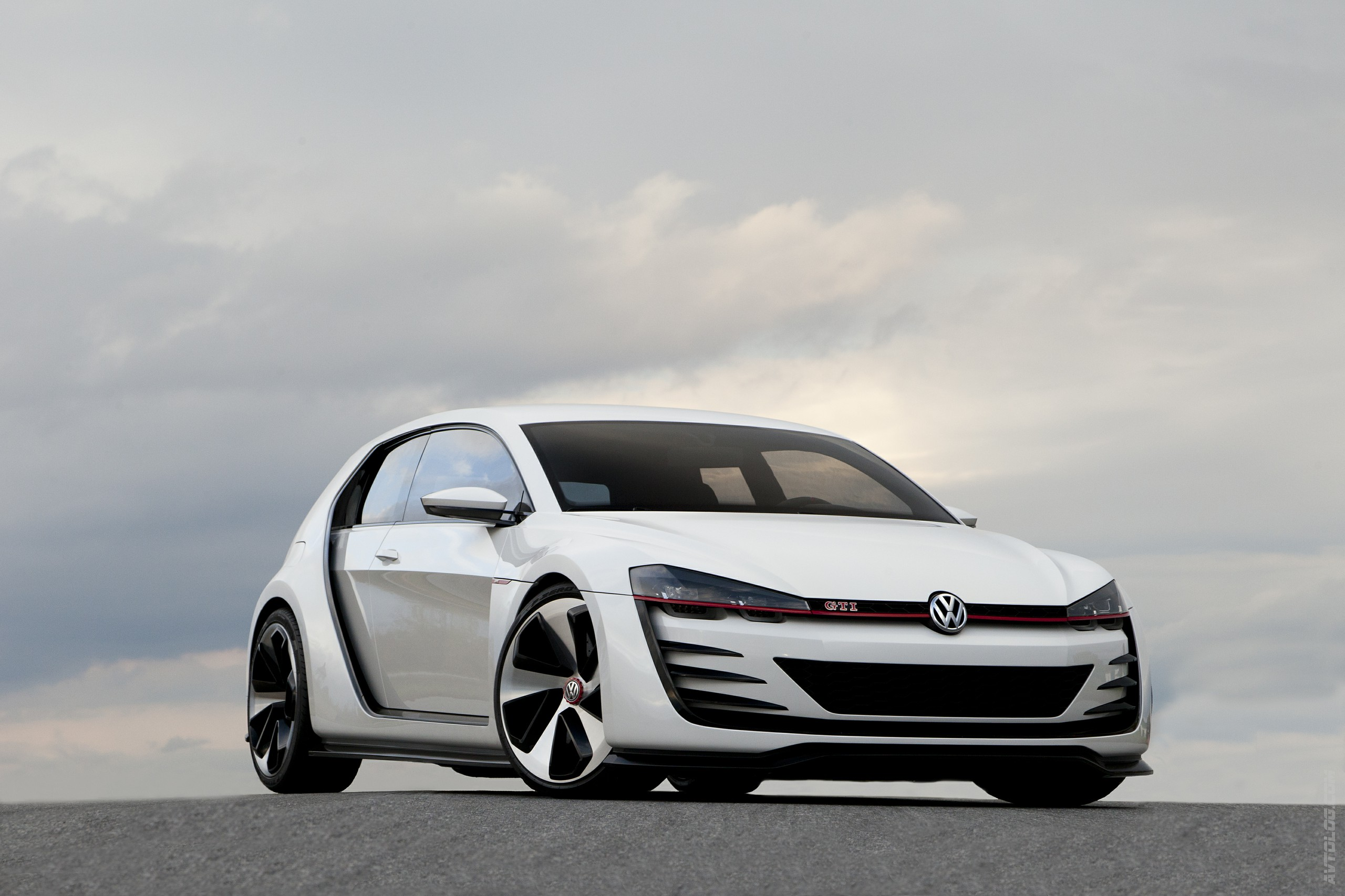 2013 Volkswagen Design Vision GTI Concept photo - 2