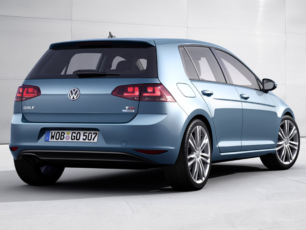 2013 Volkswagen Golf photo - 2