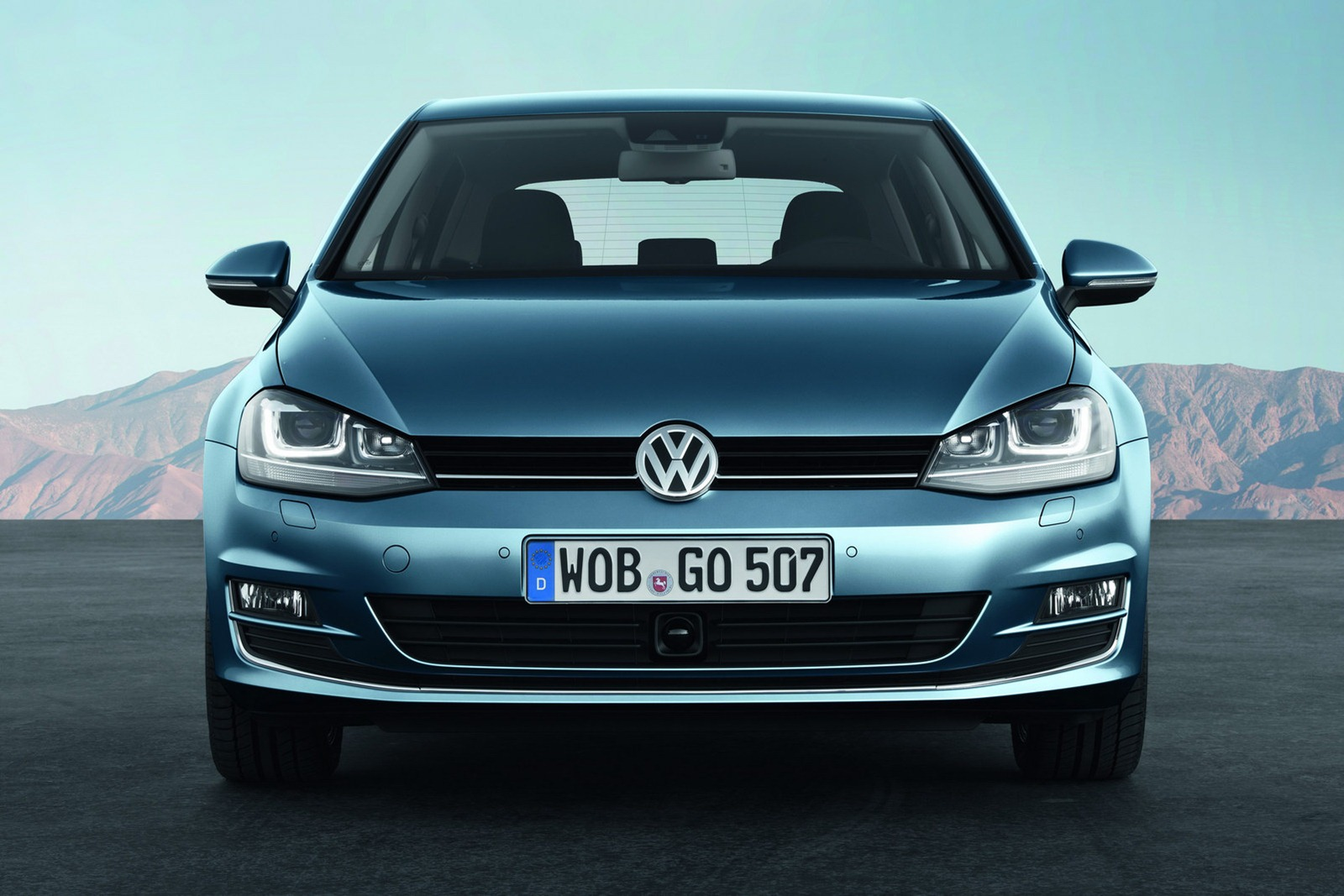 2013 Volkswagen Golf photo - 3
