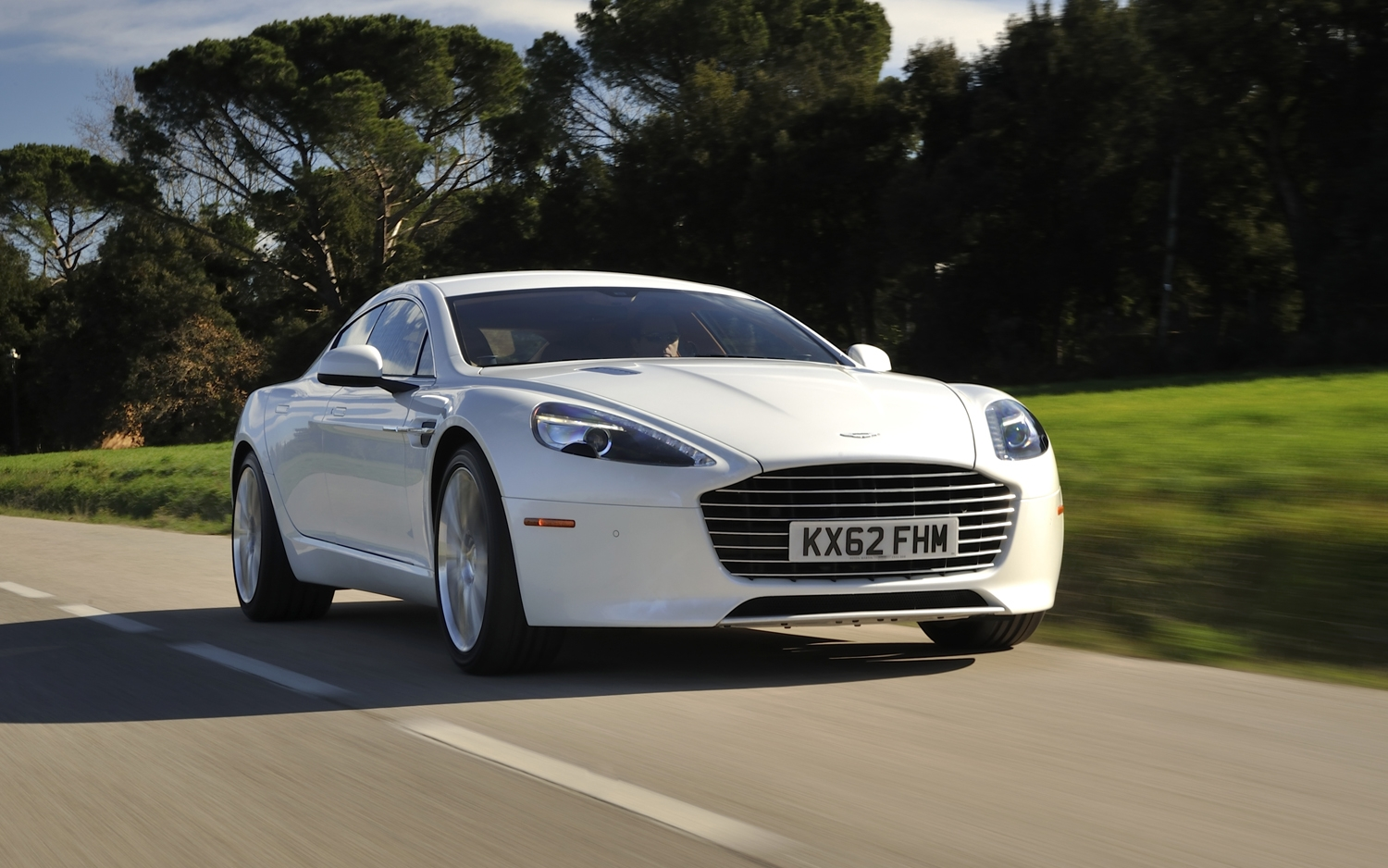 2014 Aston Martin Rapide S photo - 2