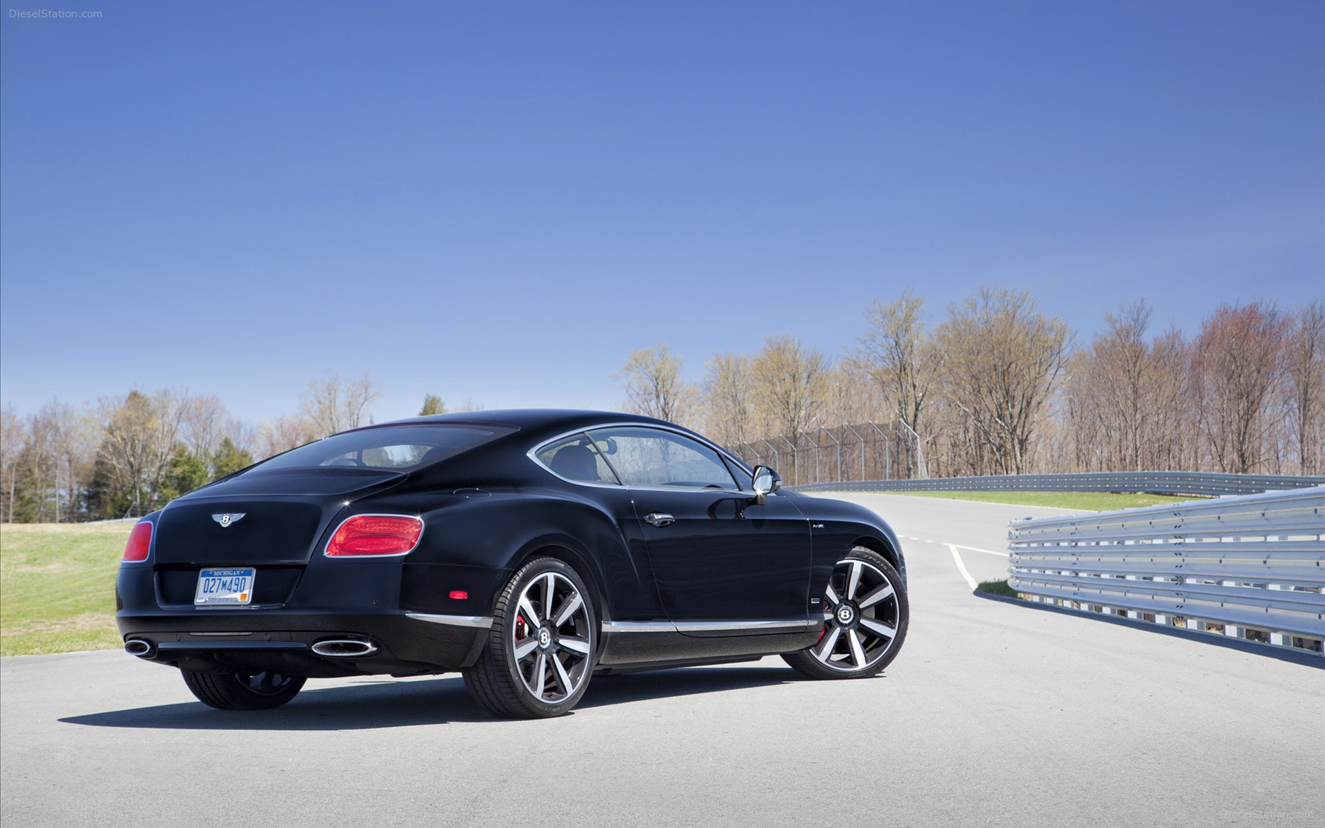 2014 Bentley Continental GT W12 Le Mans Edition photo - 1