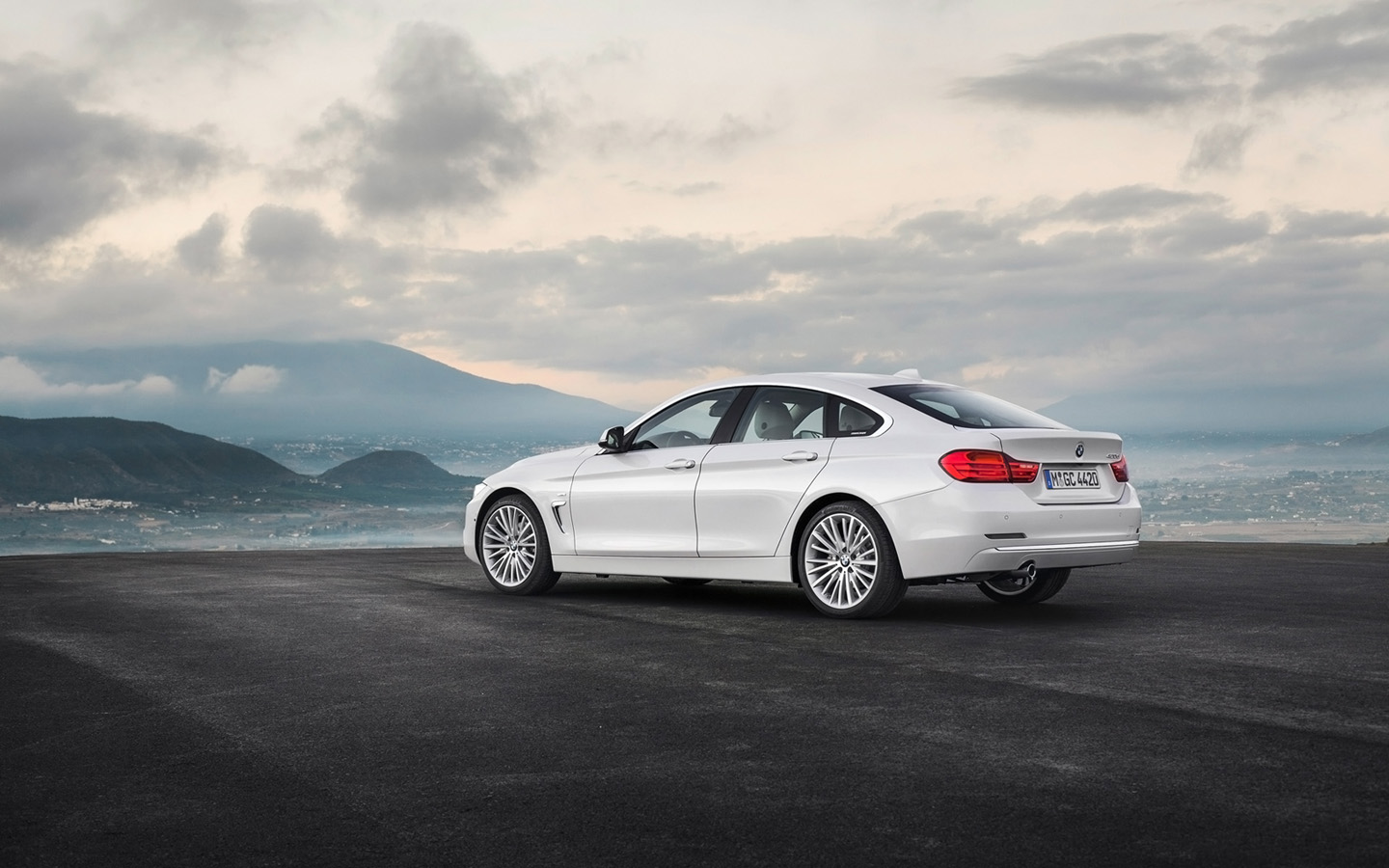 2014 BMW 4 Series Coupe photo - 1