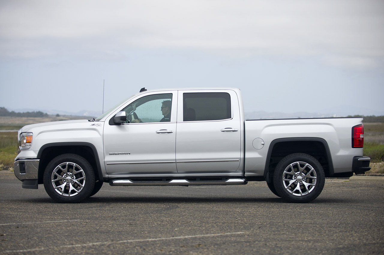 2014 GMC Sierra photo - 2