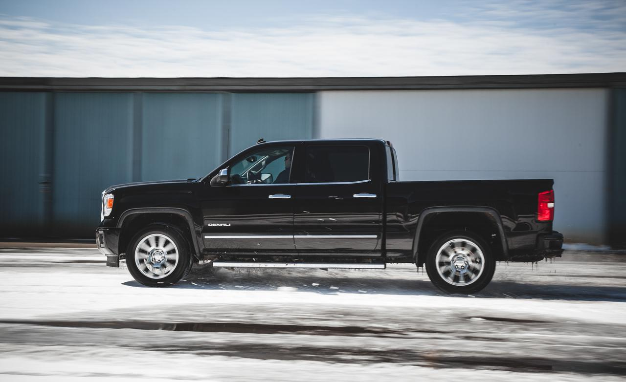 2014 GMC Sierra Denali photo - 2