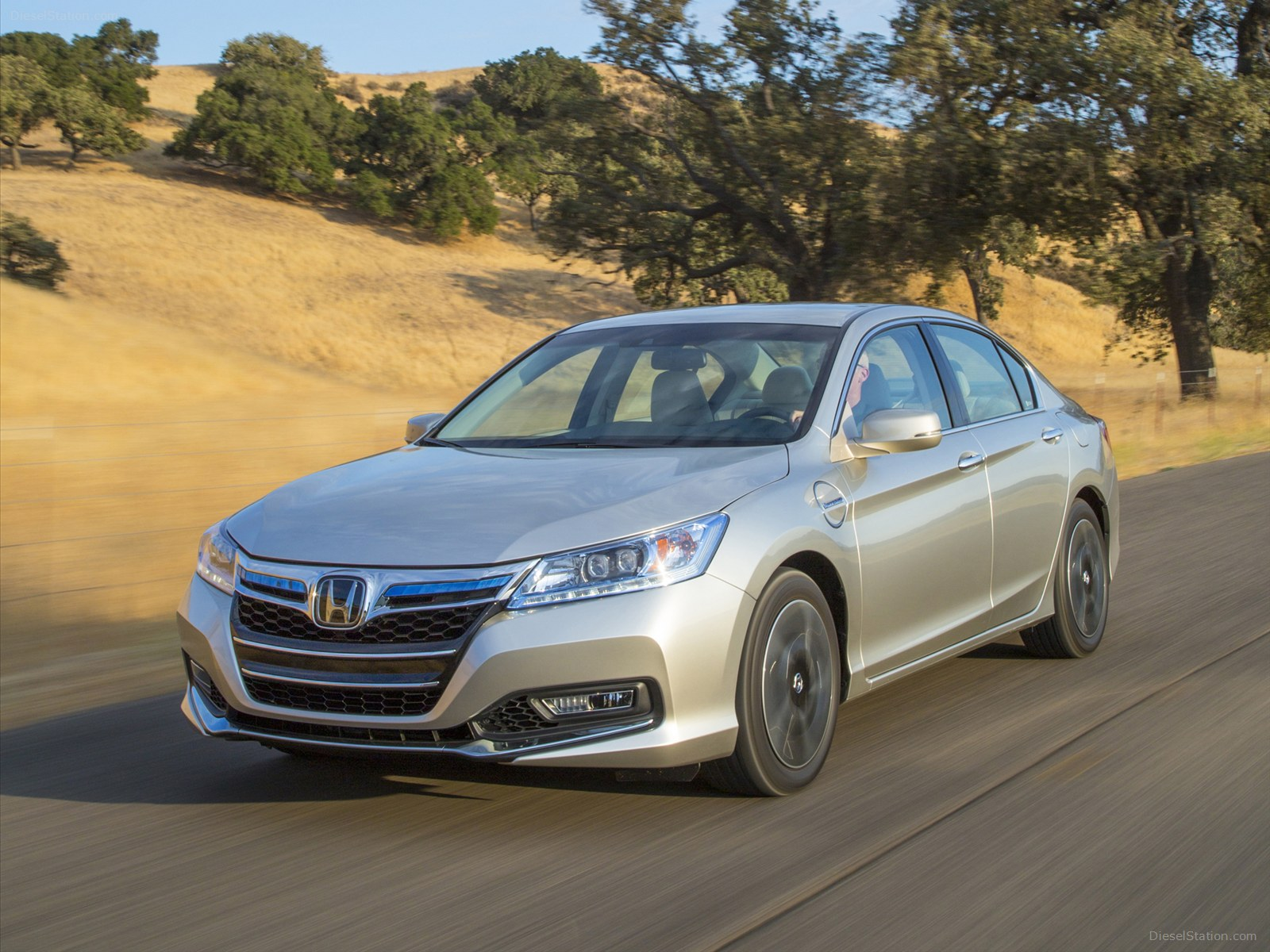 2014 Honda Accord PHEV photo - 1