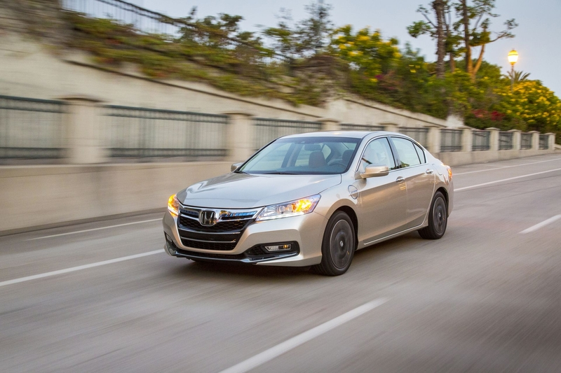 2014 Honda Accord PHEV photo - 2