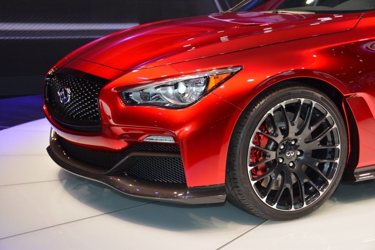 2014 Infiniti Q50 Eau Rouge Concept photo - 2