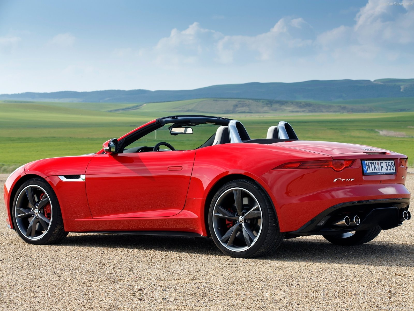2014 Jaguar F Type V8 S photo - 3