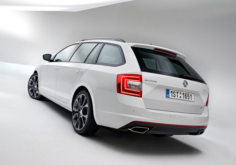 2014 Skoda Octavia Combi RS photo - 1