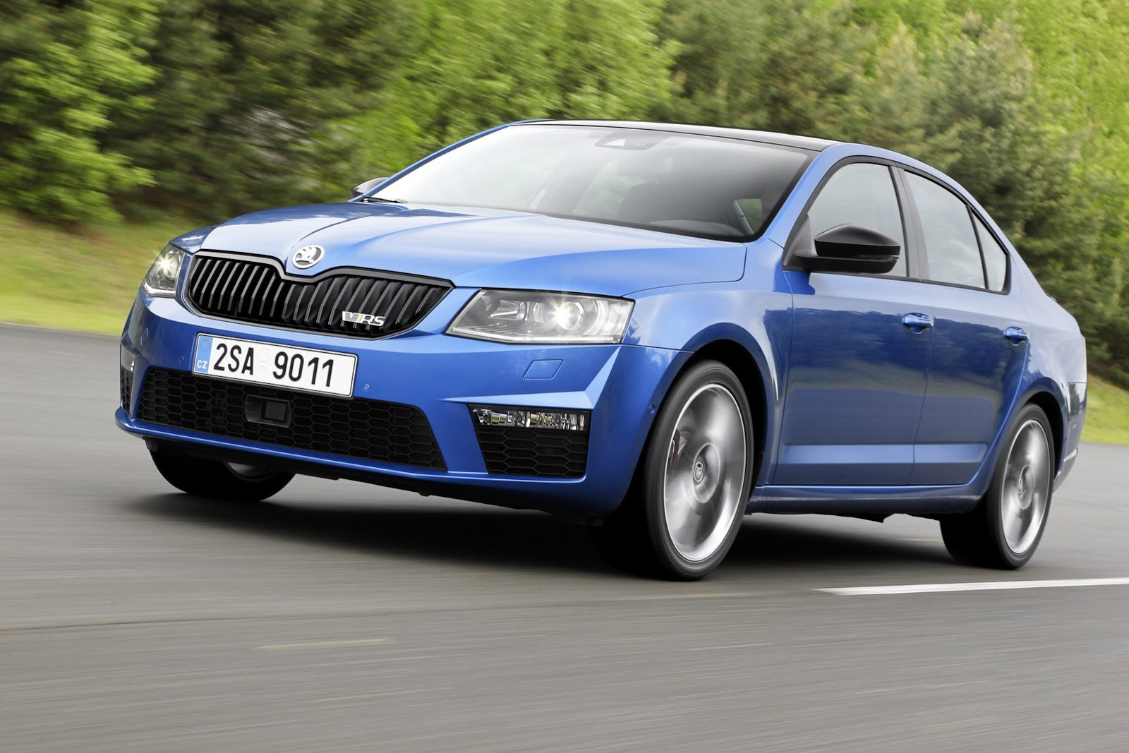2014 Skoda Octavia Combi RS photo - 2