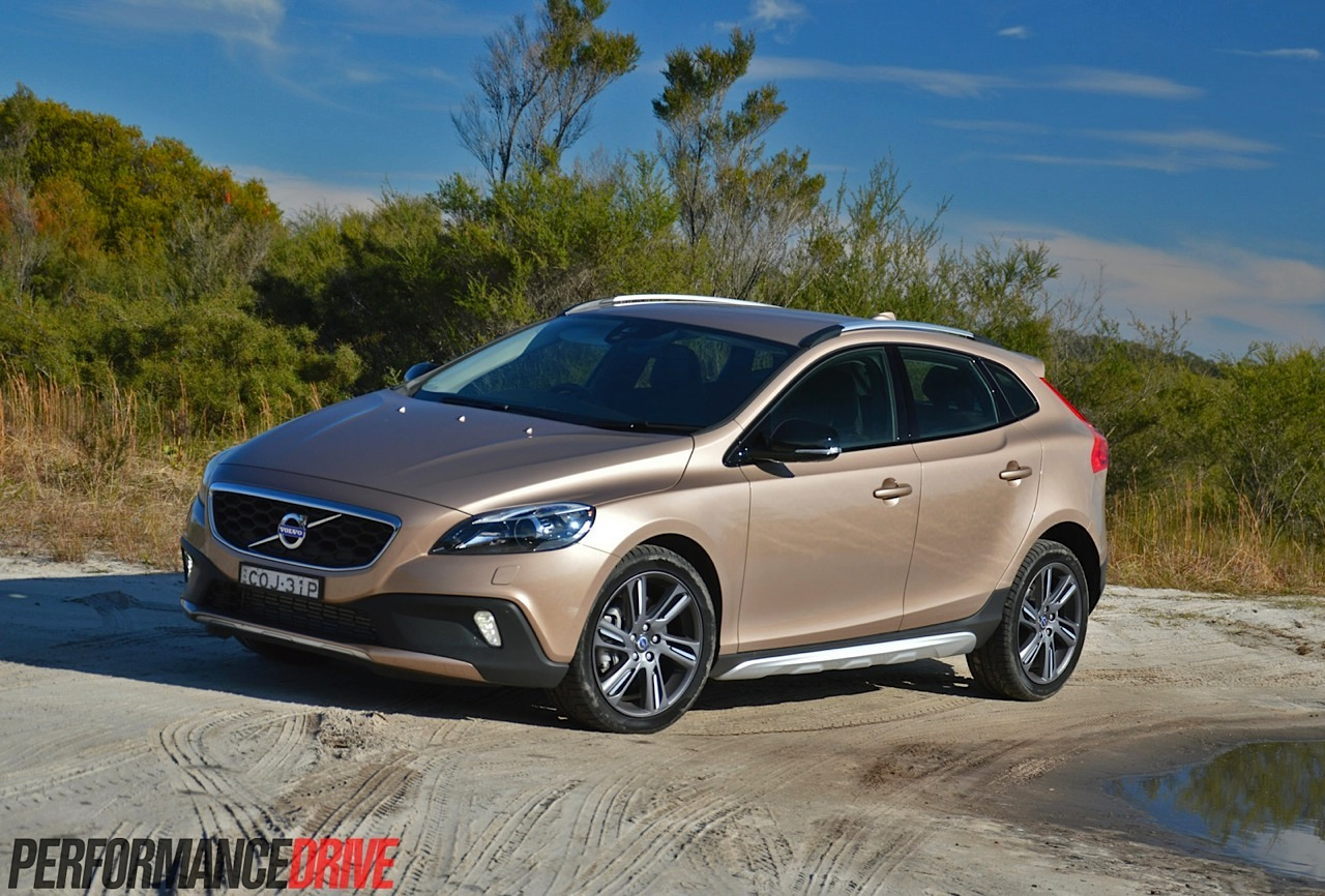 2014 volvo v40 cross country car photos catalog 2018. Black Bedroom Furniture Sets. Home Design Ideas