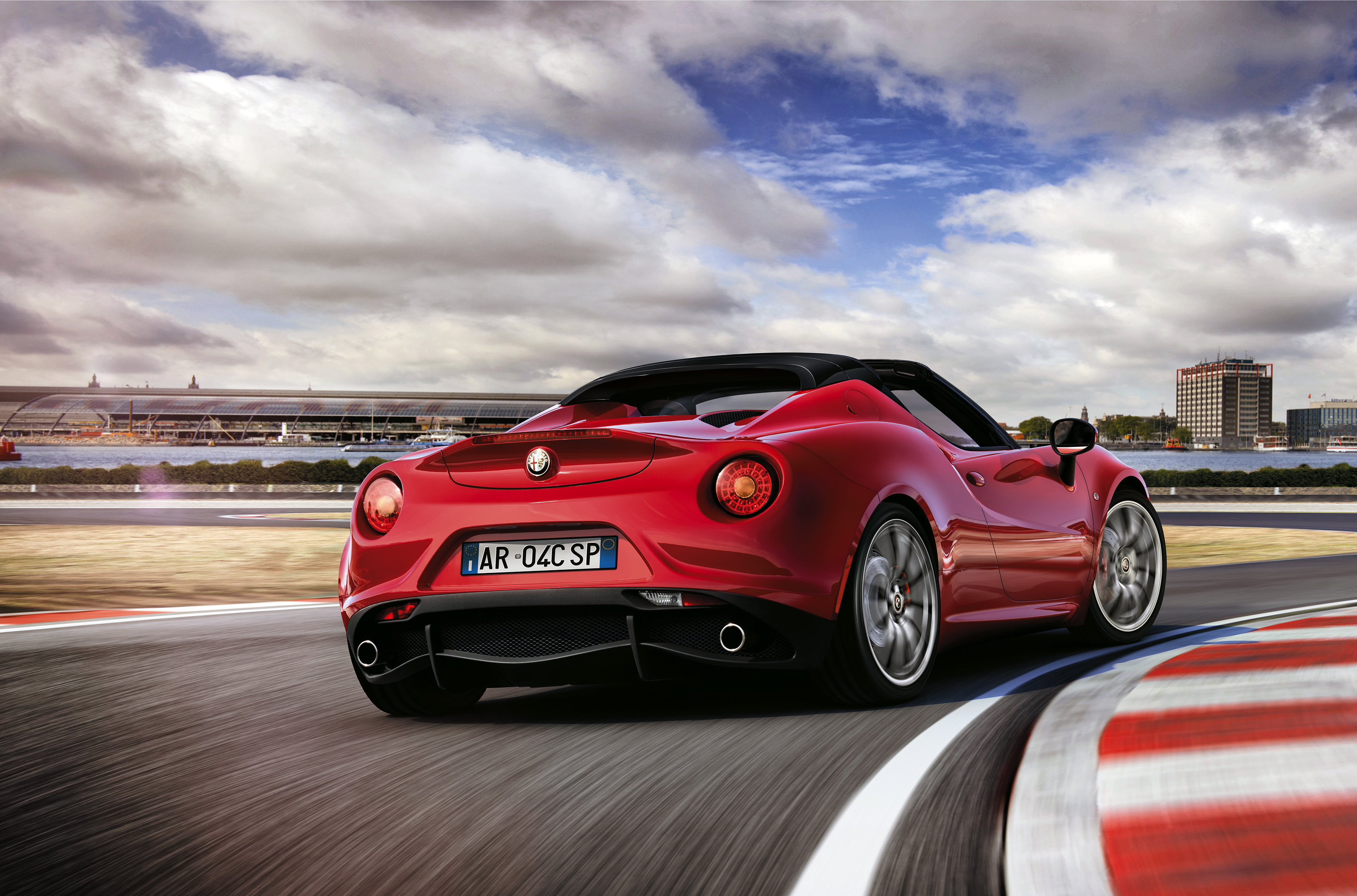 2015 Alfa Romeo 4C Spider photo - 3