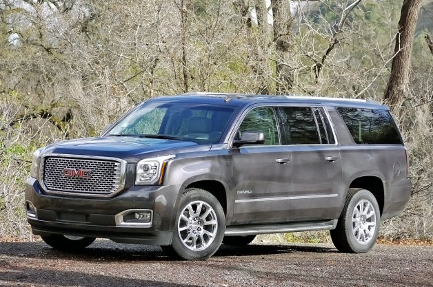 2015 GMC Yukon Denali photo - 1
