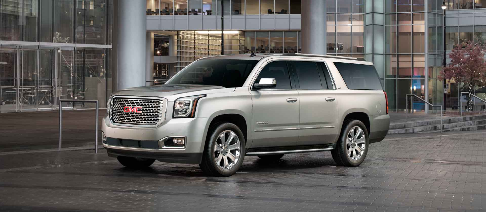 2015 GMC Yukon XL photo - 2