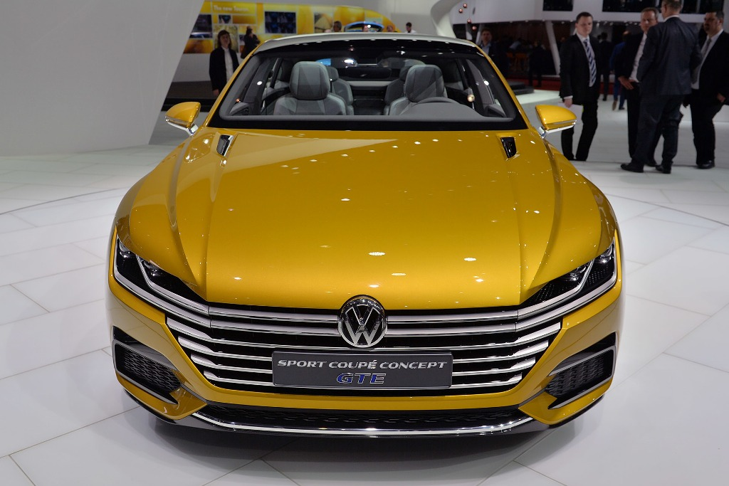2015 Volkswagen Sport Coupe GTE Concept photo - 3