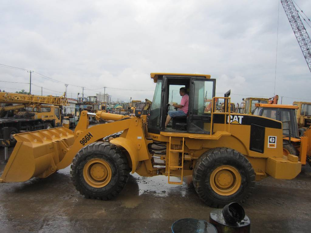 2016 Caterpillar 966 photo - 1