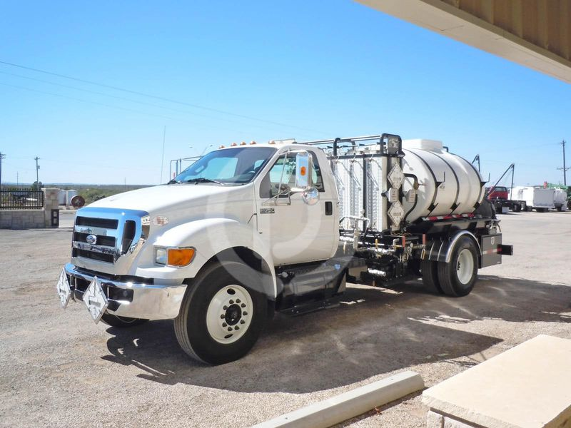 2016 Ford d 750 photo - 1