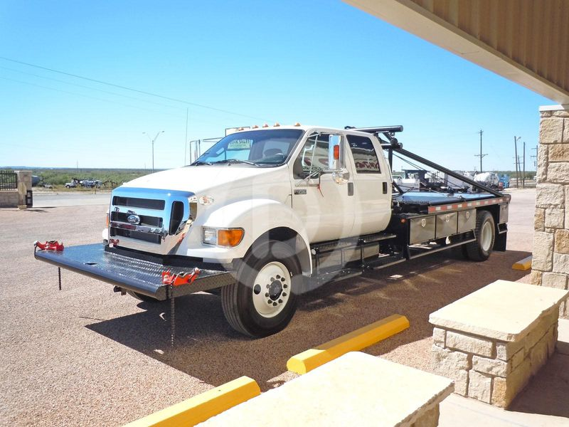 2016 Ford d 750 photo - 3