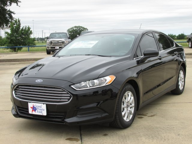 2016 Ford grand photo - 3
