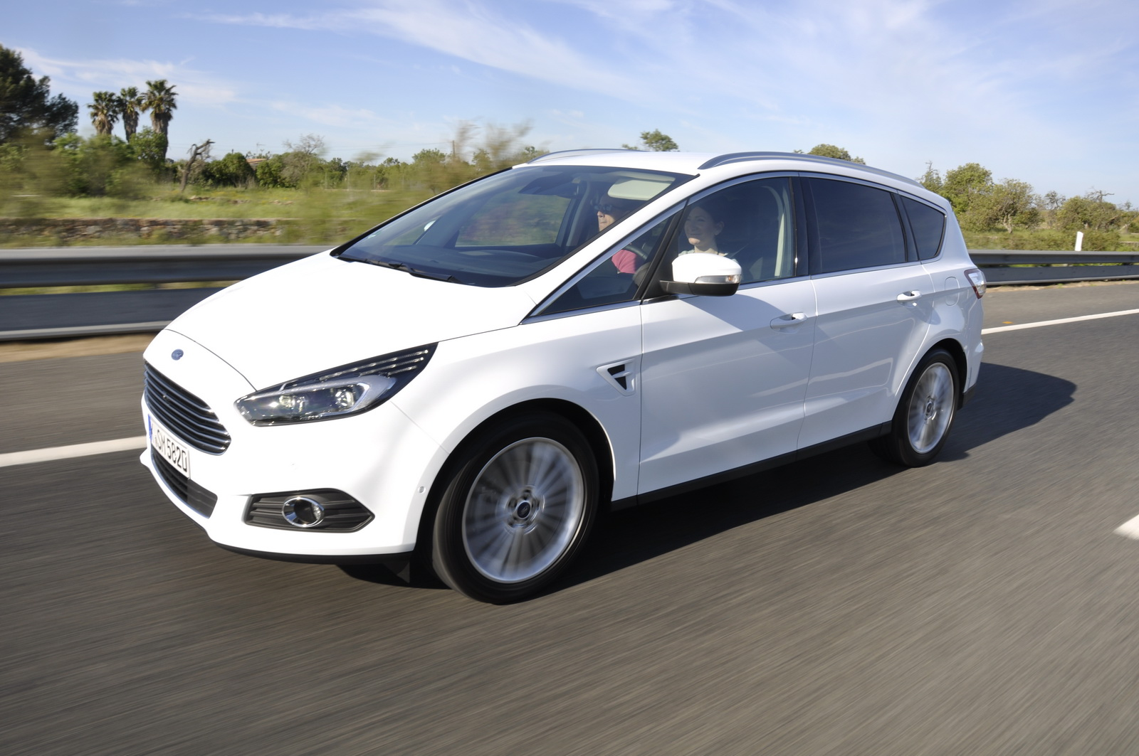 2016 Ford max photo - 1