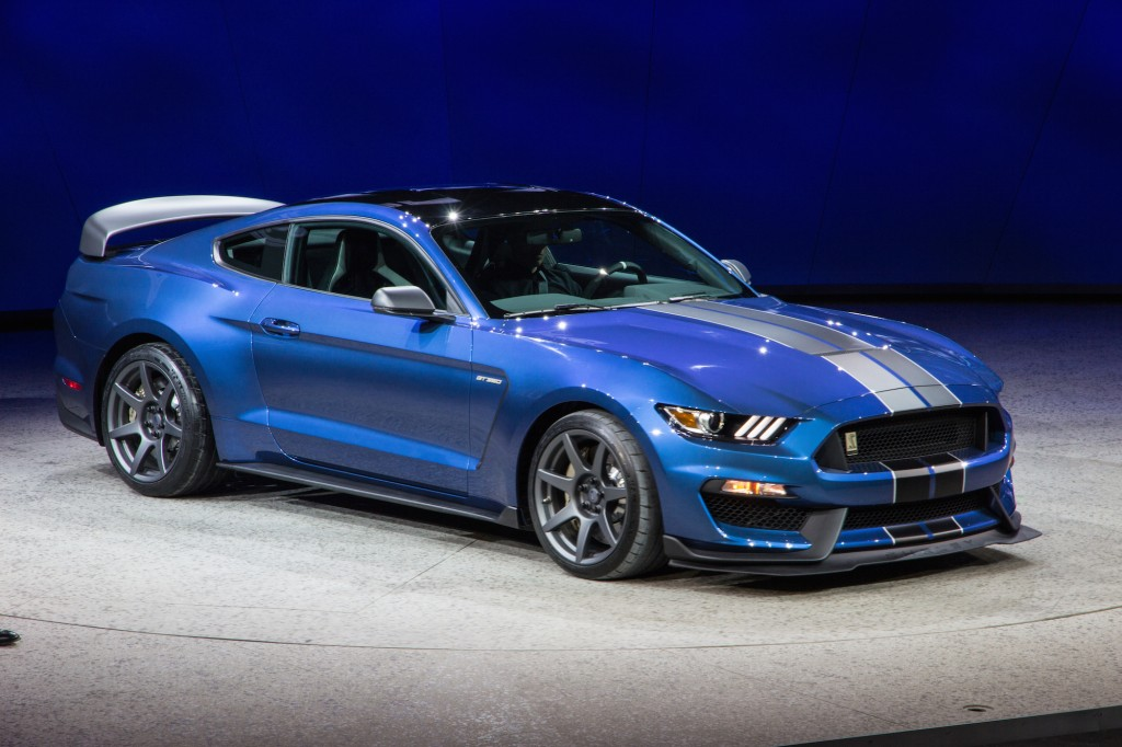 2016 Ford mustang photo - 2