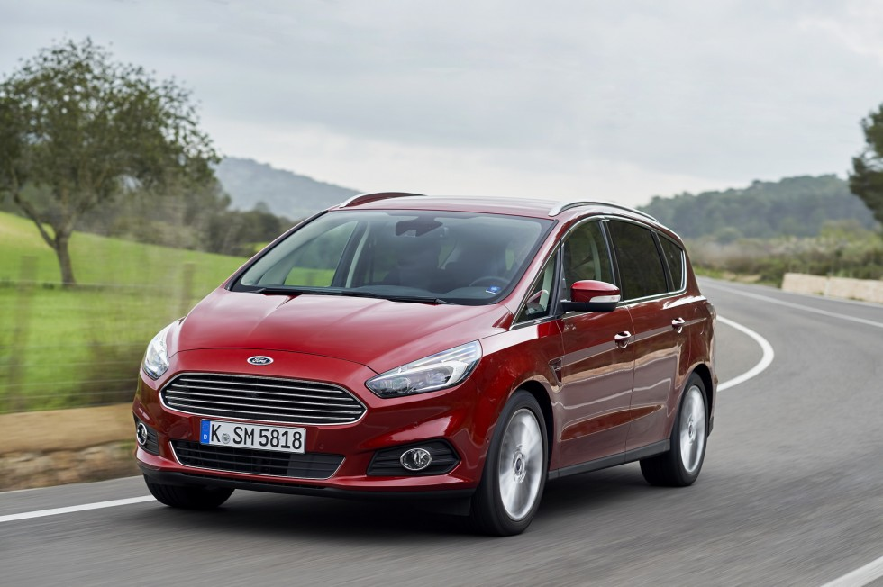 2016 Ford s max photo - 2