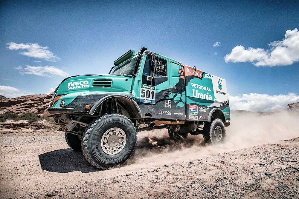 2016 Iveco powerstar photo - 2