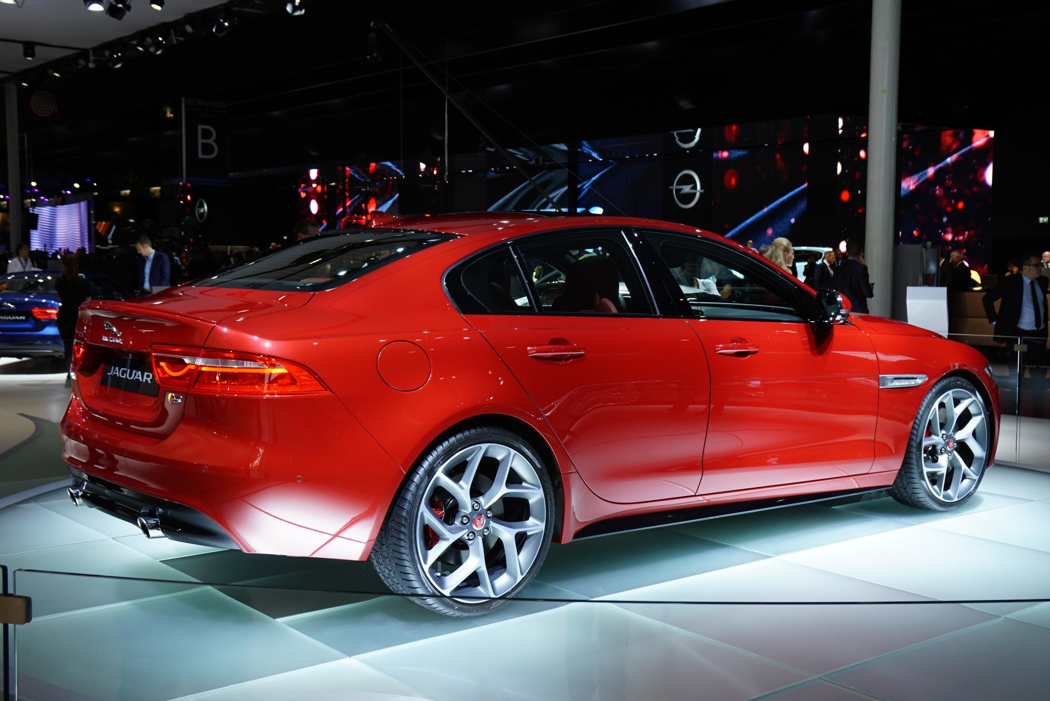 2016 Jaguar XE photo - 1