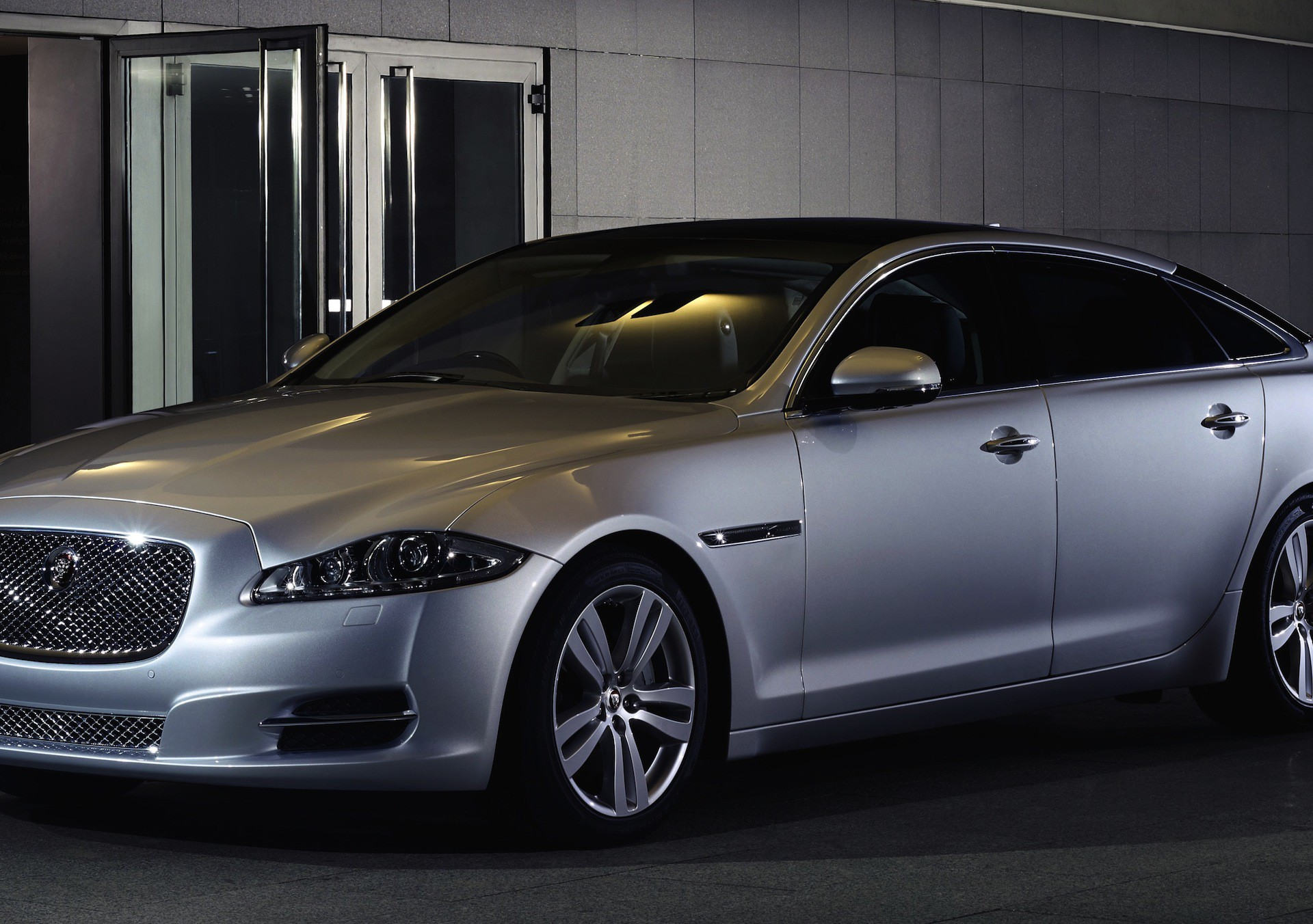 2016 Jaguar xj 6 photo - 1