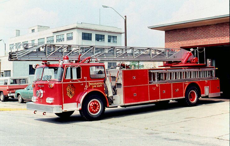 2016 Seagrave ladder photo - 2