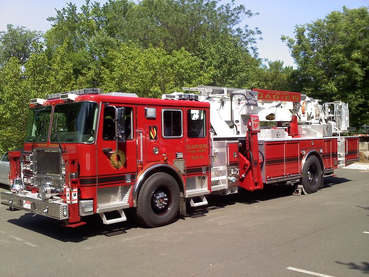 2016 Seagrave ladder photo - 3