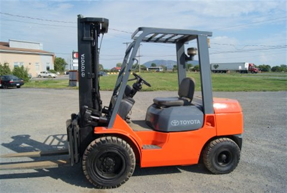 2016 Toyota forklift photo - 3