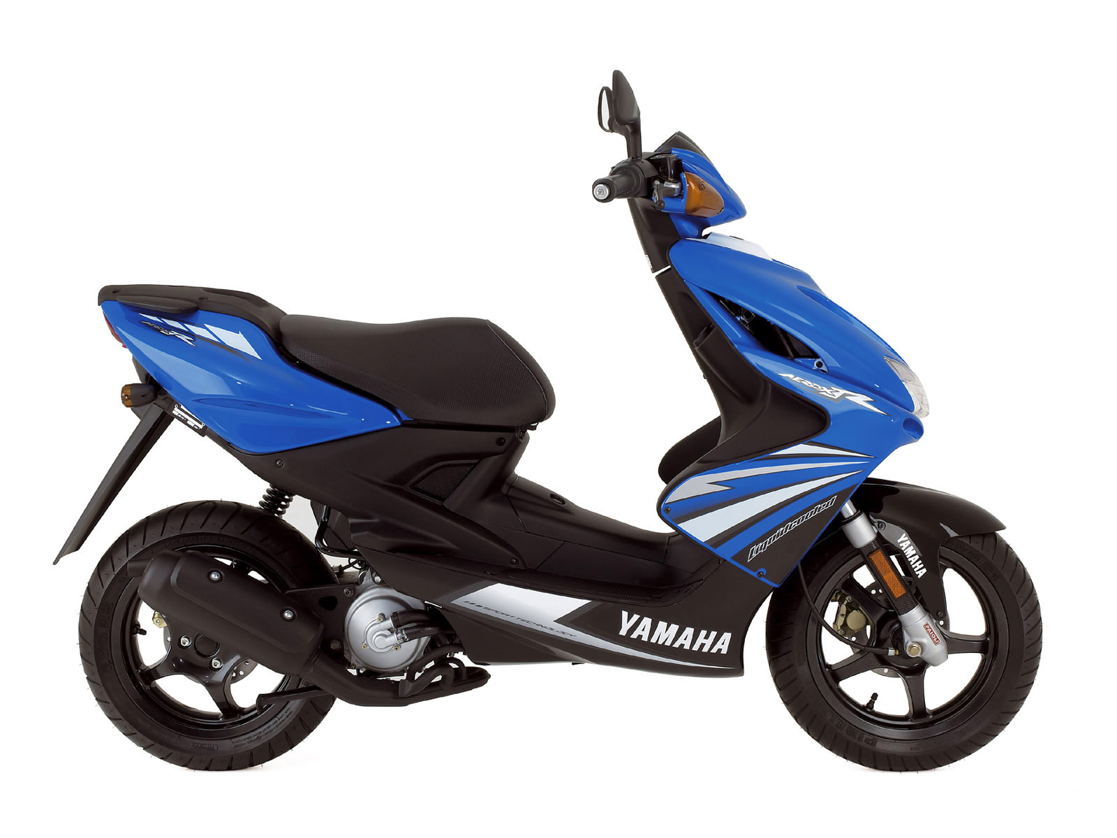 2016 Yamaha g series photo - 3