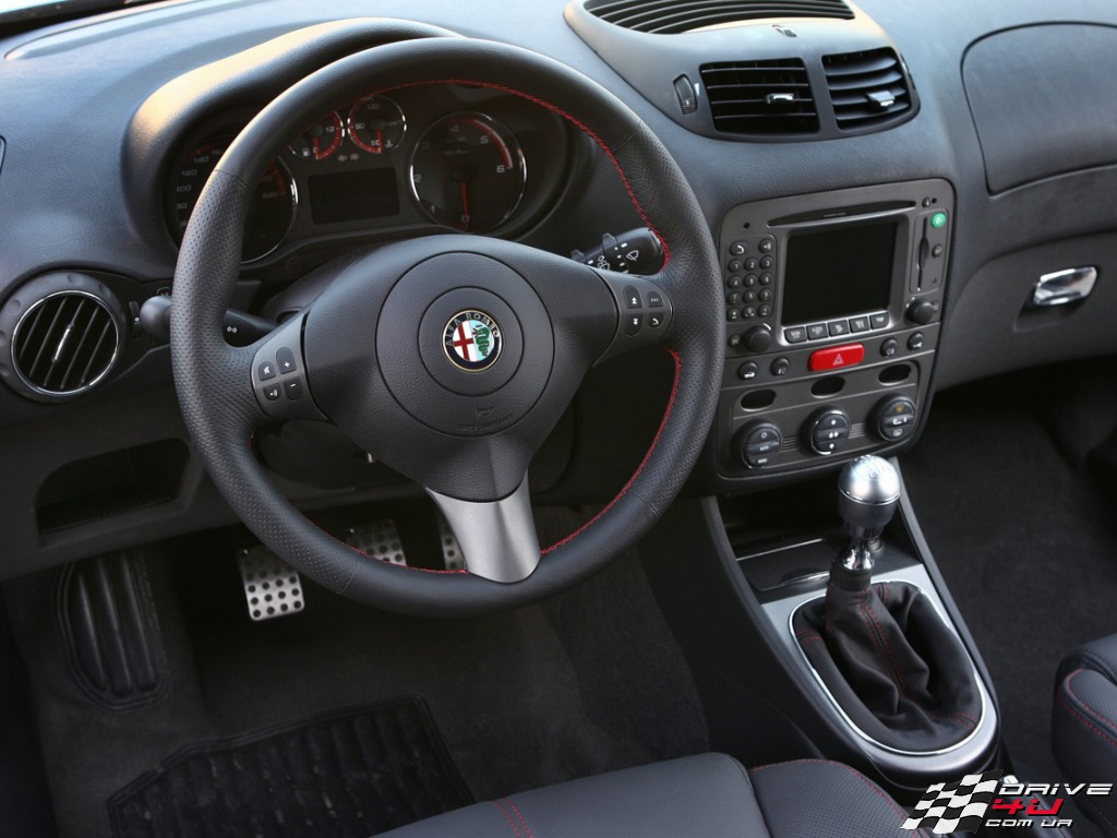 2017 Alfa Romeo 147 5door photo - 3