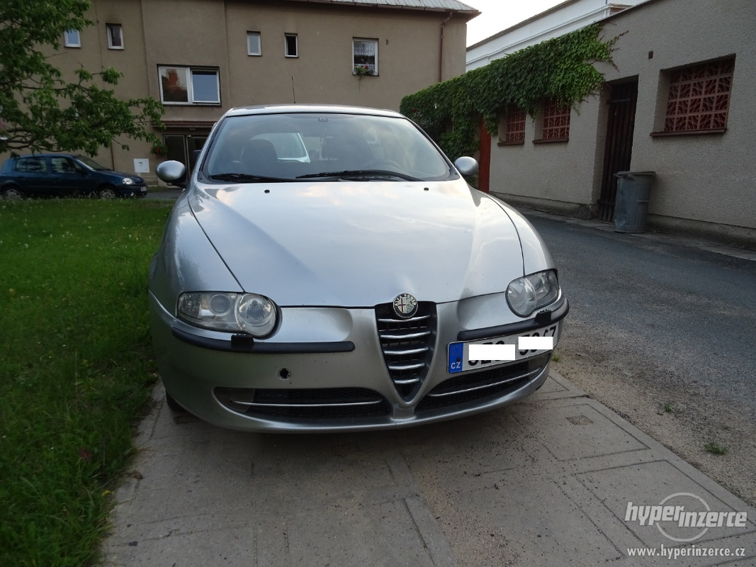 2017 Alfa Romeo 147 JTD 16V photo - 4