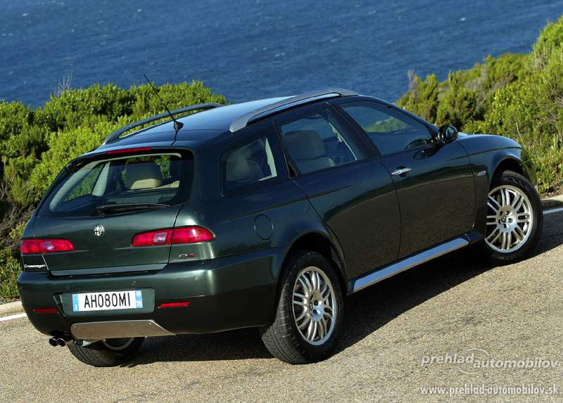 2017 Alfa Romeo 156 Crosswagon Q4 photo - 3
