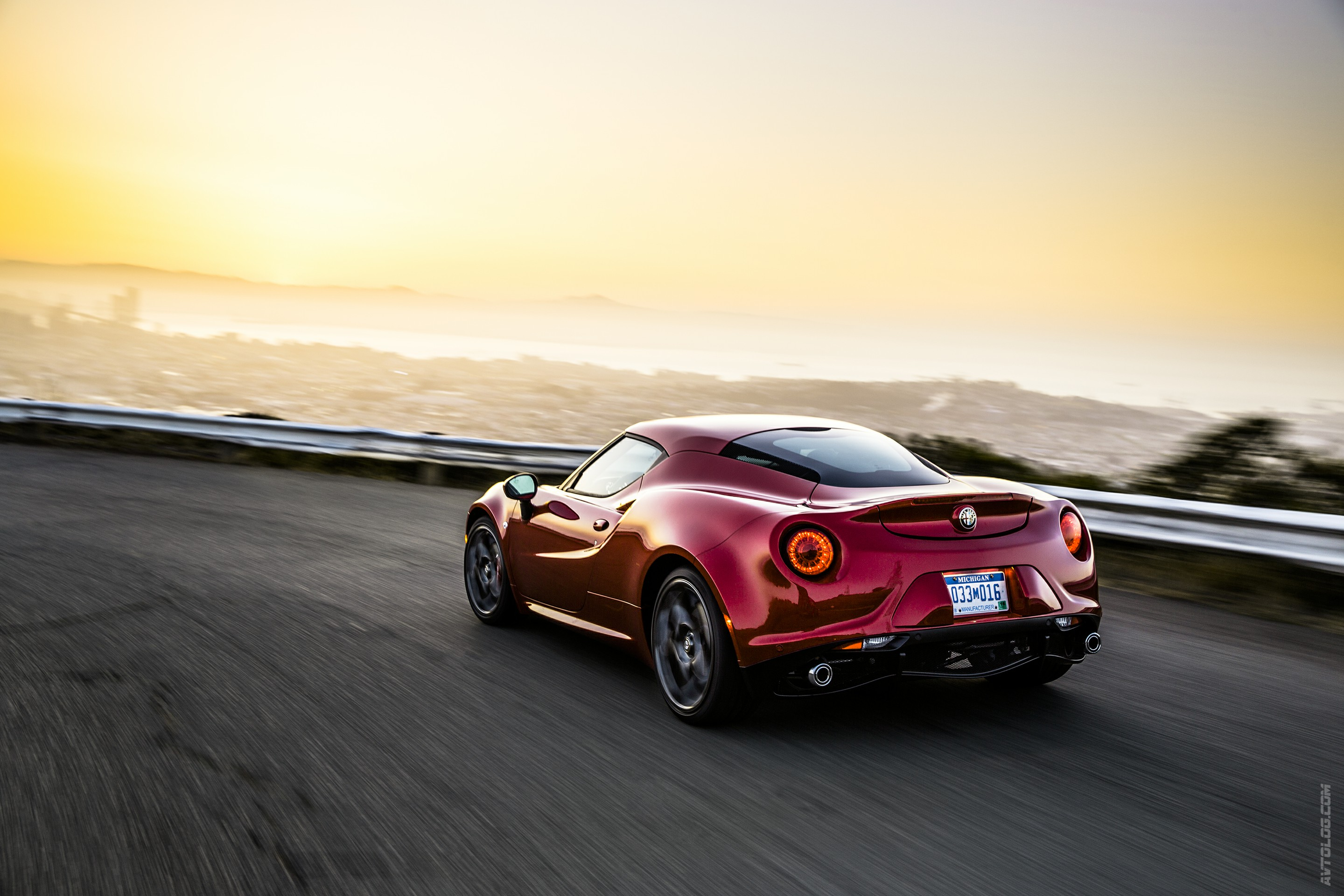 2017 Alfa Romeo 4C Coupe US Version photo - 2