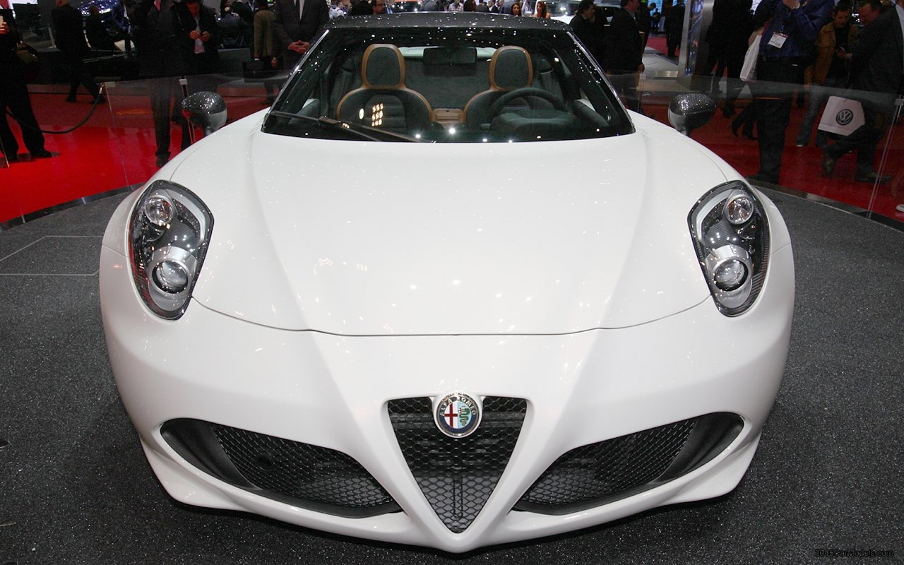 2017 Alfa Romeo 4C Spider Concept photo - 1