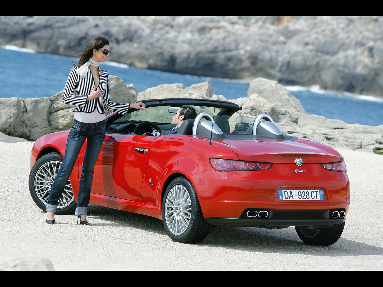 2017 Alfa Romeo 8C Spider photo - 1